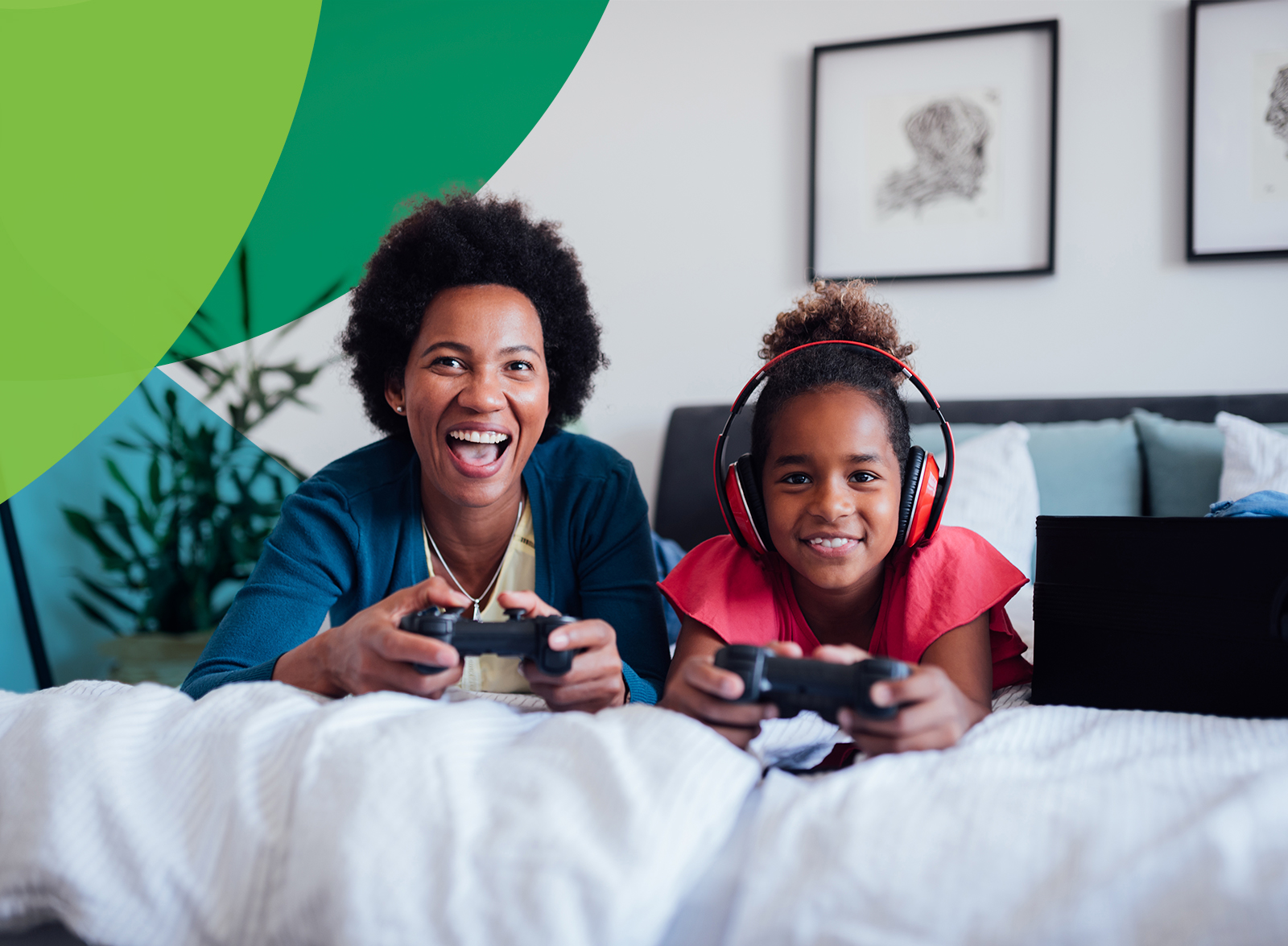 mom and daughter gaming